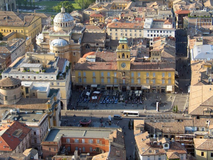 Piazza Garibaldi-Fonte: Commons/Ninja